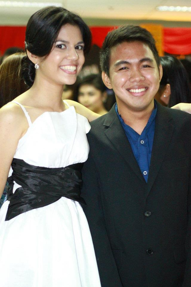 With my former Atenews colleague, then-Features Editor, MARIA KATHERINA MUFF GALOPE, CPA. I'm so proud of you Kath! :-)