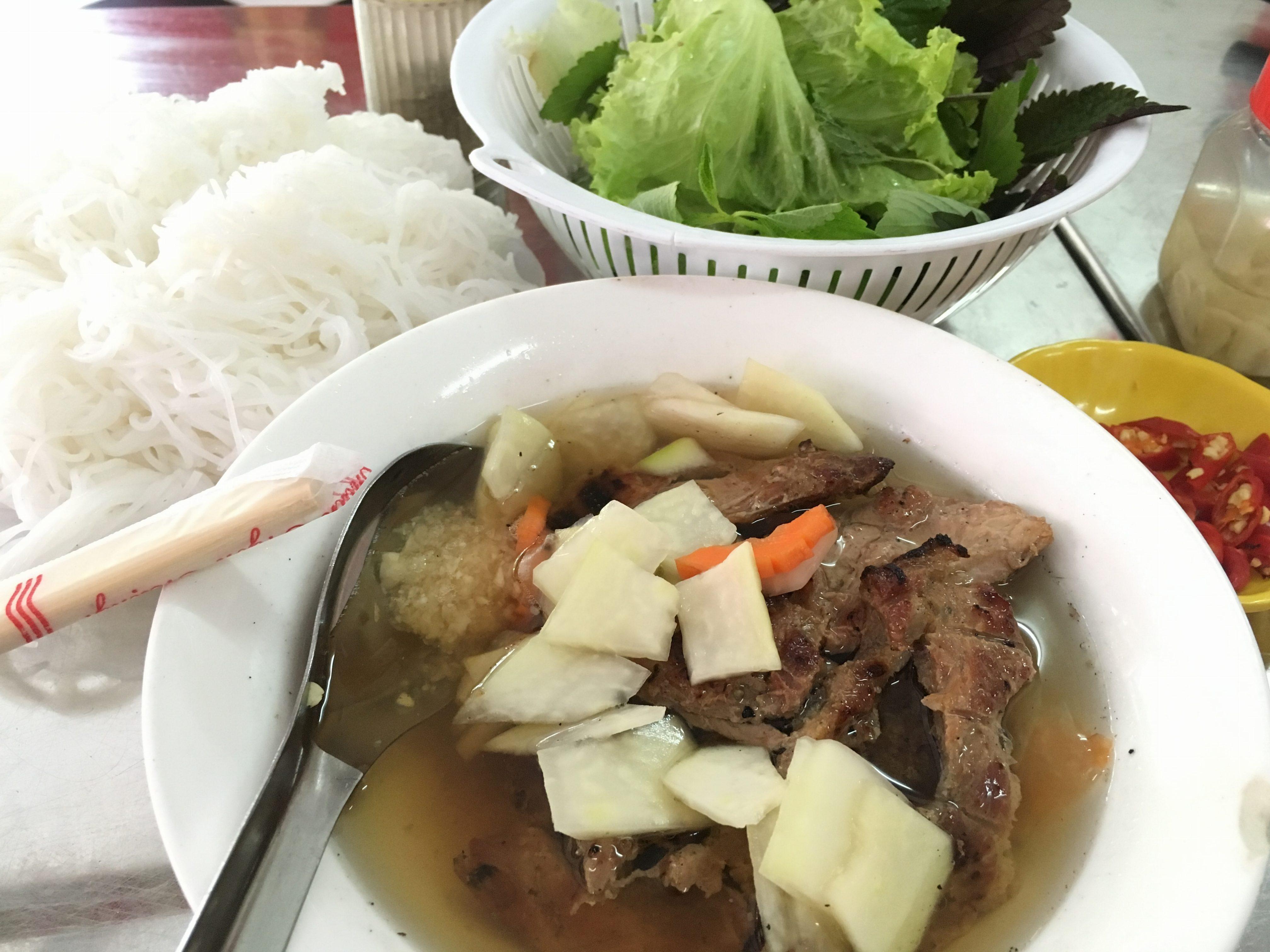 solo-travel-filipino-bun-cha